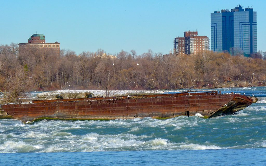 The Death-Defying History of the Niagara Scow